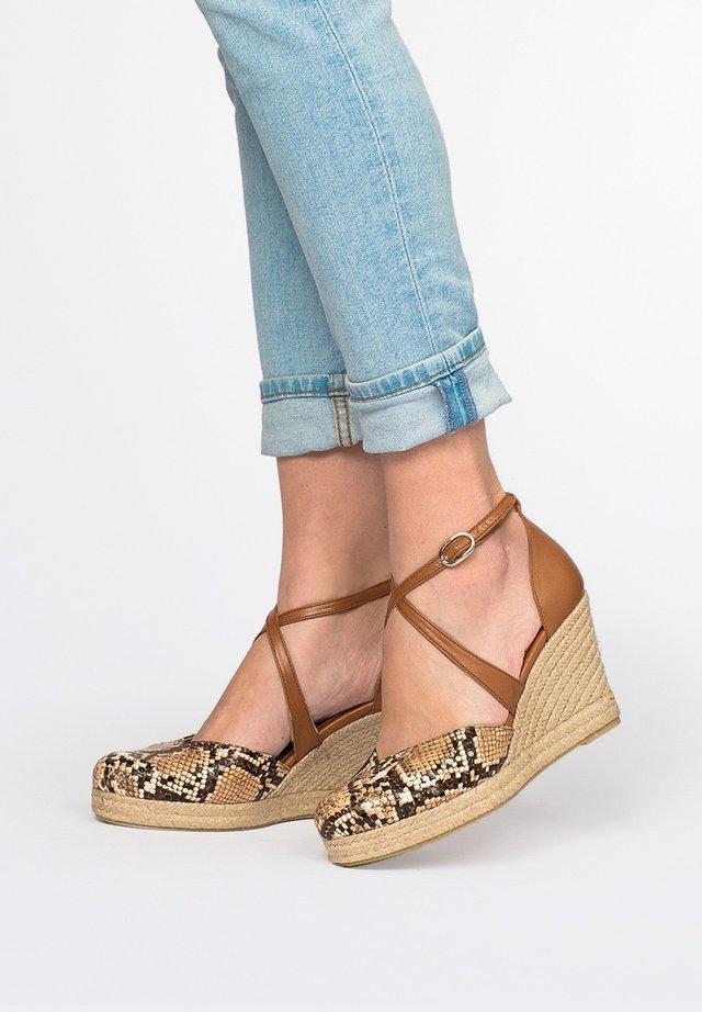 Wedge sandals - cuero