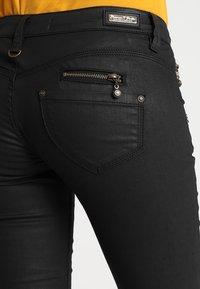 Freeman T. Porter - ALEXA  - Pantaloni - black - 5