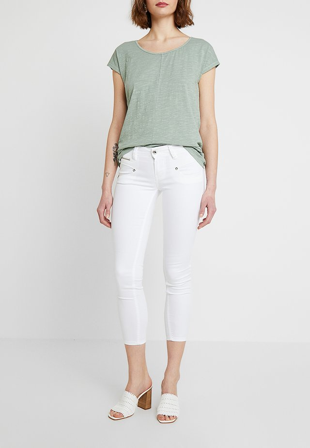 ALEXA CROPPED - Trousers - bright white