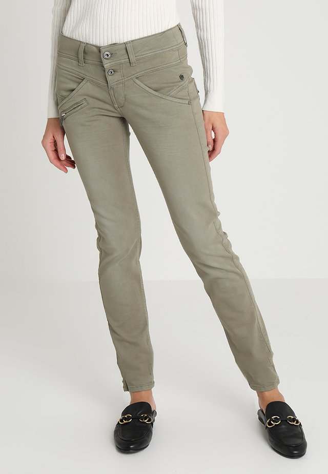 COREENA - Jeans Slim Fit - deep lichen green