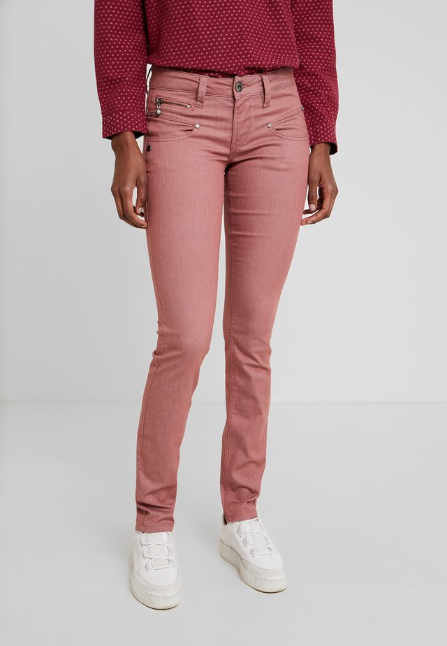 ALEXA SLIM SWEET COLOR - Trousers - red dahlia