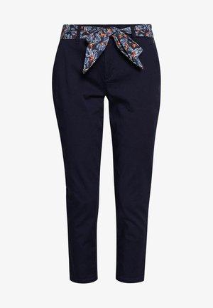 CLAUDIA FELICITA - Pantalones - peacoat