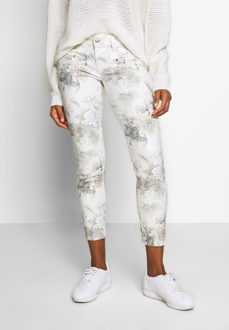 Freeman T. Porter - ALEXA CROPPED PEONY - Pantalon classique - off-white/grey