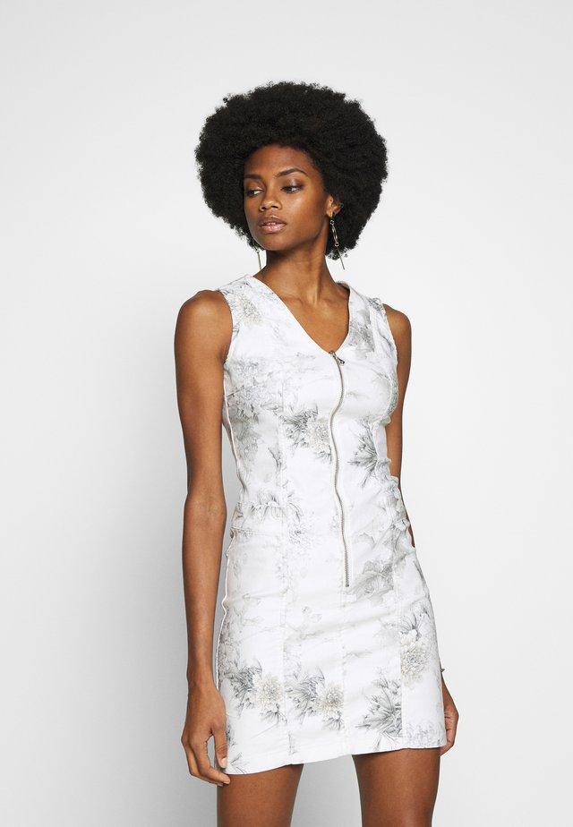 LISY PEONY - Denní šaty - white/grey