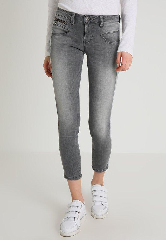 ALEXA CROPPED - Jeans Skinny Fit - freyness
