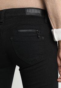Freeman T. Porter - ALEXA CROPPED - Jeans Skinny - black - 3