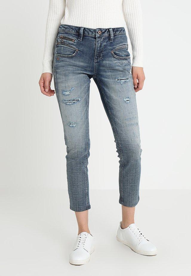 ALEXA HIGH WAIST CROPPED - Jeans Slim Fit - fossa