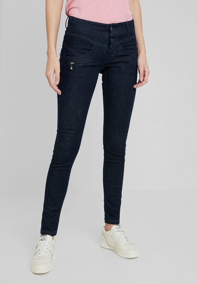COREENA - Jeans Slim Fit - stay blue