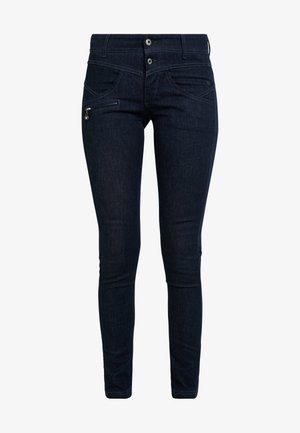 COREENA - Jeans slim fit - stay blue