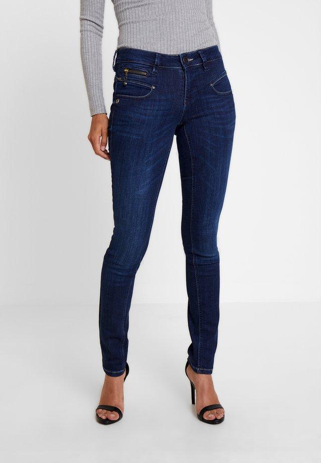 ALEXA - Slim fit jeans - madrid