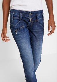 Freeman T. Porter - AMELIE - Straight leg jeans - morano - 3