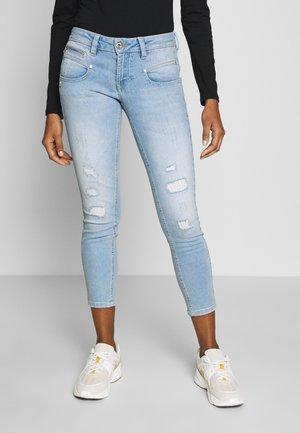 ALEXA CROPPED - Jeans Skinny - light blue denim