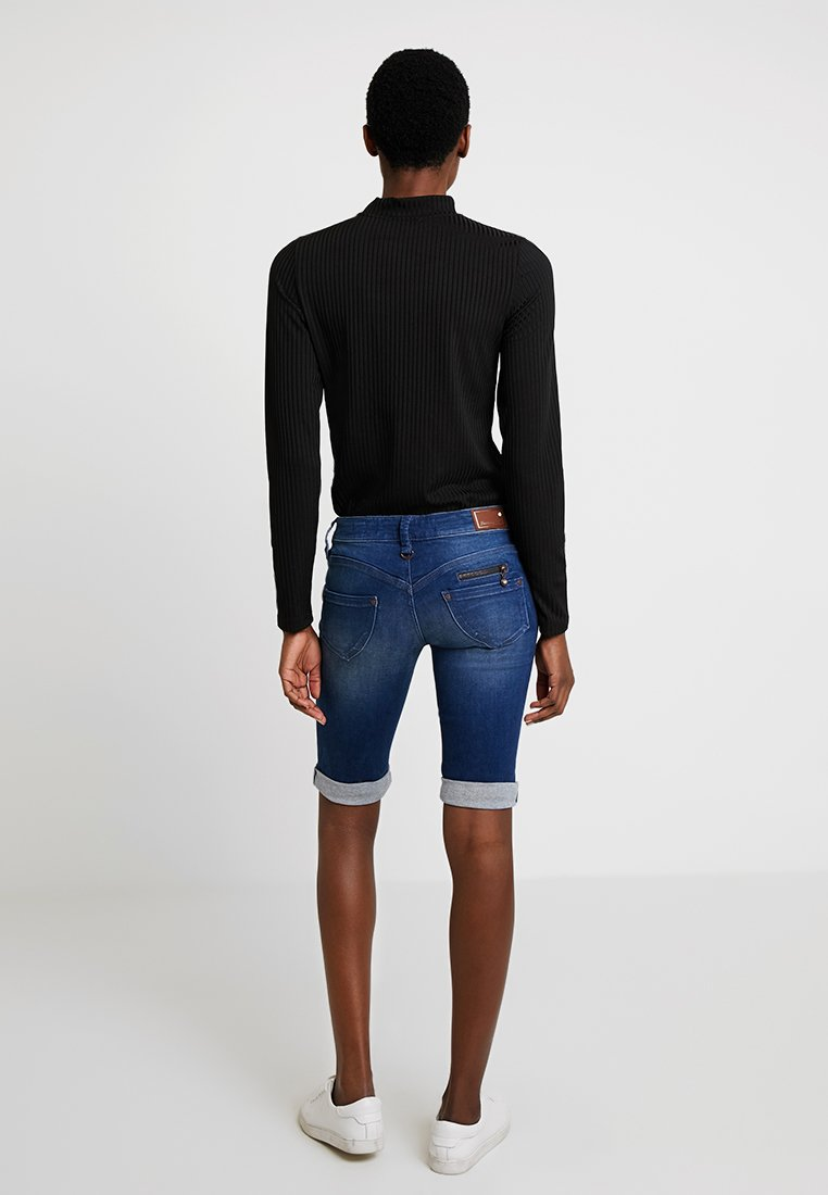 Freeman T. Porter - BELIXA - Denim shorts - dark-blue denim