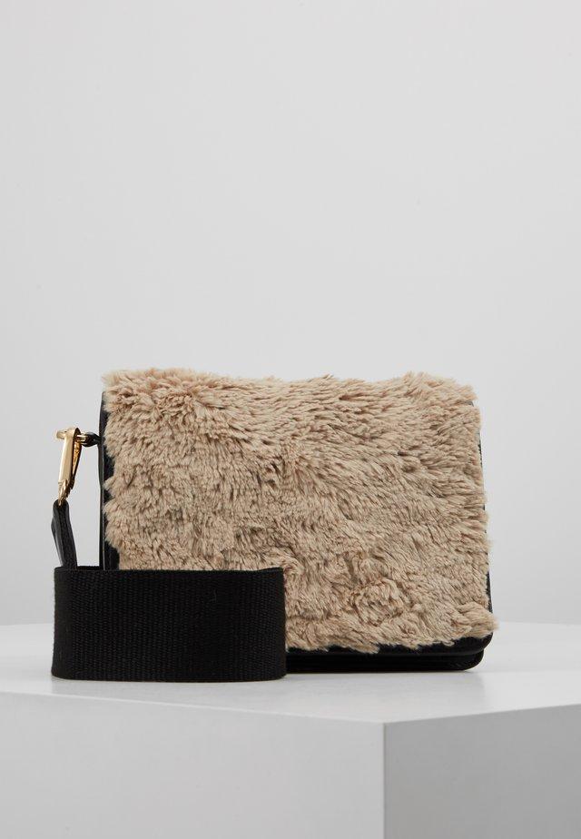 MAENZA - Across body bag - offwhite