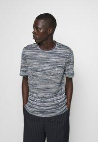 Missoni - SHORT SLEEVE - Camiseta estampada - dark blue - 0