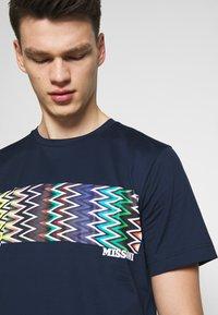Missoni - SHORT SLEEVE - Camiseta estampada - dark blue - 4