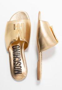 MOSCHINO - Pantofle - oro - 3