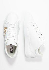 MOSCHINO - Sneakers laag - bianco - 3