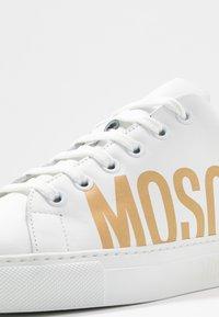 MOSCHINO - Sneakers laag - bianco - 2