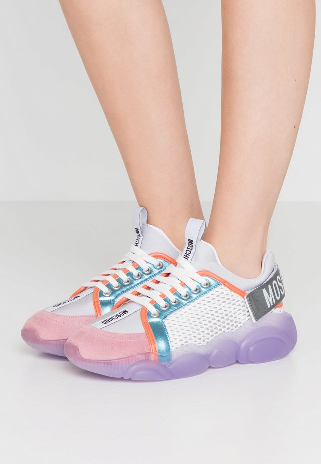 Trainers - fantasy color