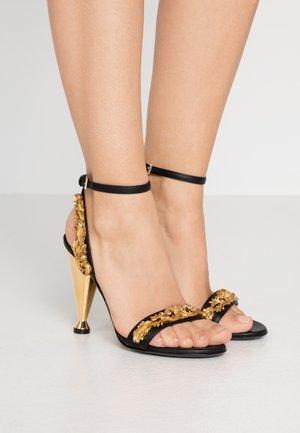 Sandály na vysokém podpatku - nero