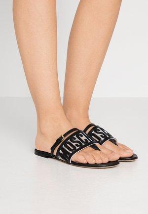 Sandály s odděleným palcem - nero