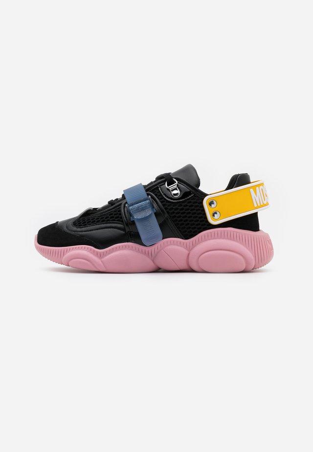Sneakersy niskie - fantasy