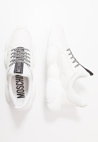 MOSCHINO - Sneakers basse - white - 1