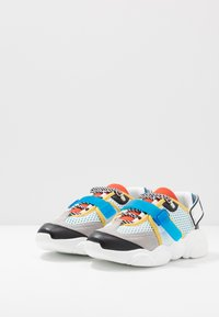 MOSCHINO - Sneakers basse - white/blue - 2