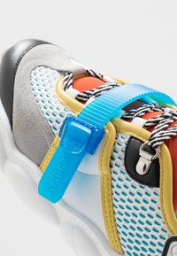 MOSCHINO - Sneakers basse - white/blue - 5