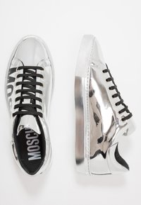 MOSCHINO - Sneakers basse - silver - 1