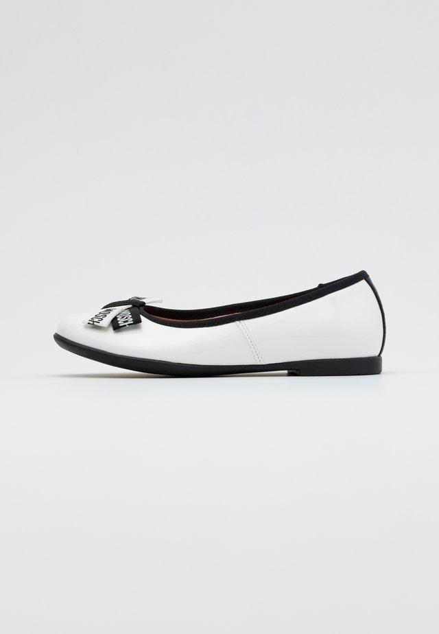 Ballerinat - white