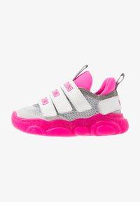 MOSCHINO - Sneakers - white/neon pink - 1
