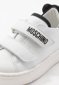 MOSCHINO - Trainers - white - 2