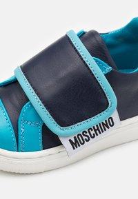 MOSCHINO - UNISEX - Tenisky - blue - 5