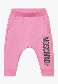 MOSCHINO - Teplákové kalhoty - dark pink - 0