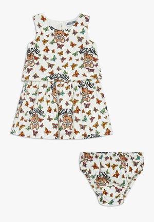 DRESS KNICKERS GIFT - Denní šaty - white