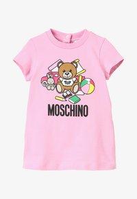MOSCHINO - DRESS GIRL - Trikoomekko - begonia rose - 4
