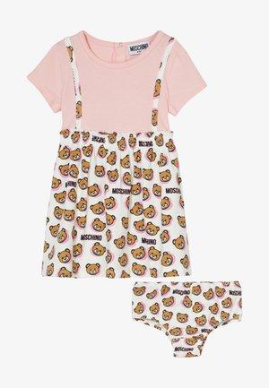 DRESS AND KNICKERS SET - Vestido ligero - cloud toy shadow