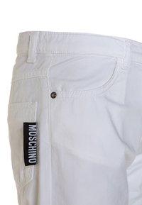 MOSCHINO - Shortsit - bianco ottico - 2
