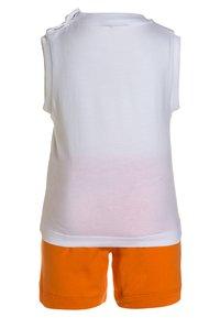 MOSCHINO - TANK SET - Verryttelyhousut - optic white/orange - 1