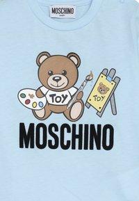 MOSCHINO - Pitkähihainen paita - baby sky blue - 3