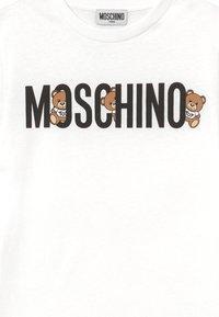 MOSCHINO - Print T-shirt - optical white - 3