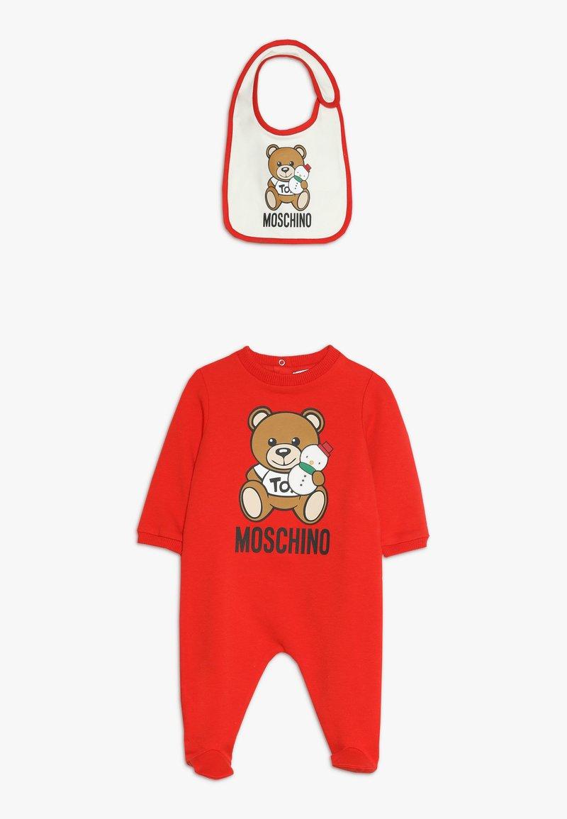 MOSCHINO - BABYGROW AND BIB GIFT SET - Mono - poppy red