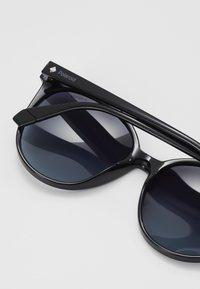 Polaroid - Sluneční brýle - black - 2