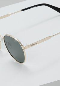 Polaroid - Sunglasses - gold-coloured/green - 4