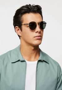 Polaroid - Sunglasses - gold-coloured/green - 1