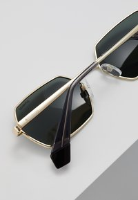 Polaroid - Sunglasses - gold-coloured/green - 4