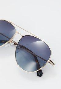 Polaroid - Sunglasses - gold - 4