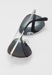 Polaroid - NEW - Sonnenbrille - palladium - 2